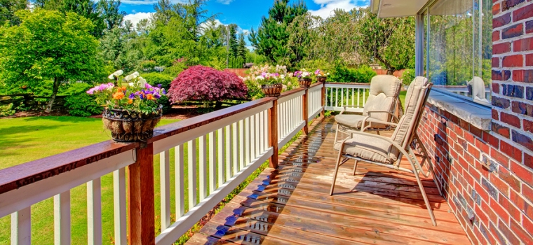 Railing system on a residential deck